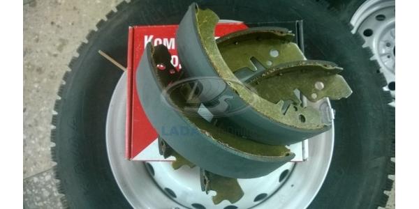 Lada 2101 Rear Brake Shoe and Lining Kit